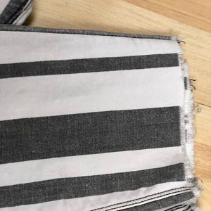 Jeans light grey and off white stripes raw hem
